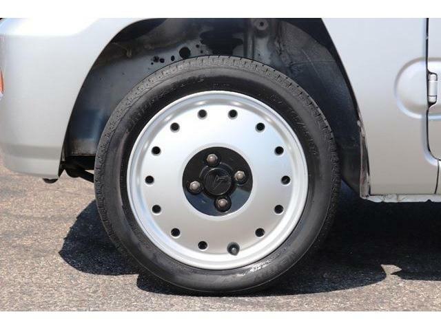 当社は自社の中部運輸局指定工場を完備しています。責任を持ってお客様のお車を整備致します。お客様のカーライフを安心して頂ける環境が当社にはあります。