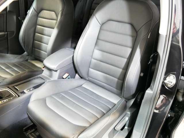 オプション レザーシートP ヒーター付ブラックレザースポーツシート(メモリー/ランバーサポート付電動シート) ☆ご来店のご都合がつかない方は、お勤め先・ご自宅等ご指定の場所へ車輌をお持ちいたします☆