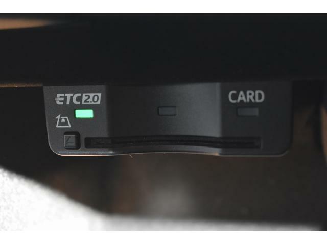 ●ビルトインETC車載器『料金所での時間短縮に役立つ装備!!』