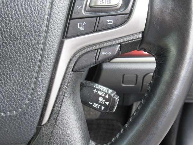プリクラッシュセーフティシステム。前方の車両や障害物を検知する高性能ミリハレーダー付きにより追突の可能性が高いと判断した場合ドライバーに警報ブザー等でお知らせ致します。