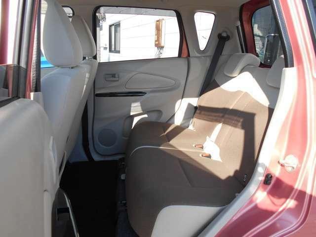 快適なドライブの為にも、リヤシートのヘッドレストは必須ですよね♪♪