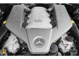 ■出力525ps(カタログ値)■トルク64.2kg(カタログ値)■V型8気筒DOHC■排気量6208cc■エンジンルームも綺麗に磨かれており、エンジン下のオイル漏れも御座いません。■