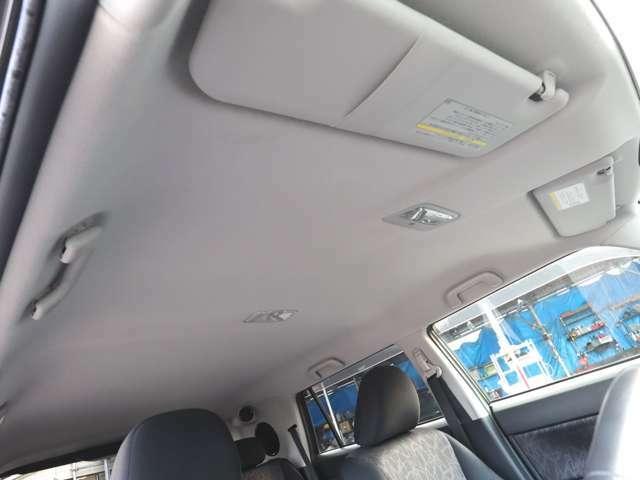 天井です こんなにキレイな状態です! シートキレイ・車内キレイですよ! タバコ臭無し! オゾン発生器にて除菌・消臭済!