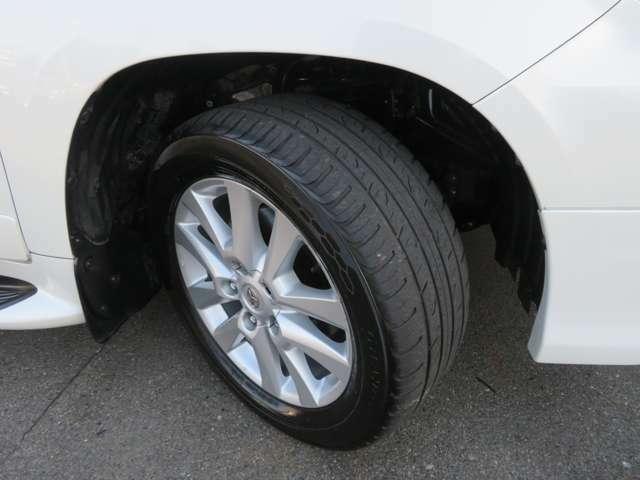タイヤの残り溝もまだまだ大丈夫です♪