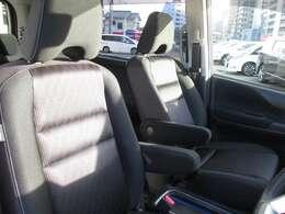 フロントシート         フロント左右シートヒーター付き