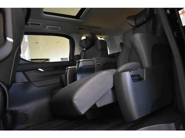 当店で販売される新車はメーカーの保証が付帯しており、新車対象の無償点検や日常のメンテナンスを最寄りのディラーさんでお受けできます。