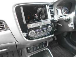 オーディオレス車です。ナビゲーションの取り付けや、オーディオの取り付けは、スタッフまで、お気軽にご相談ください。