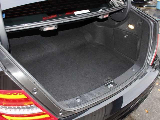 傷や汚れが付きやすいトランクも綺麗な状態が保たれております!