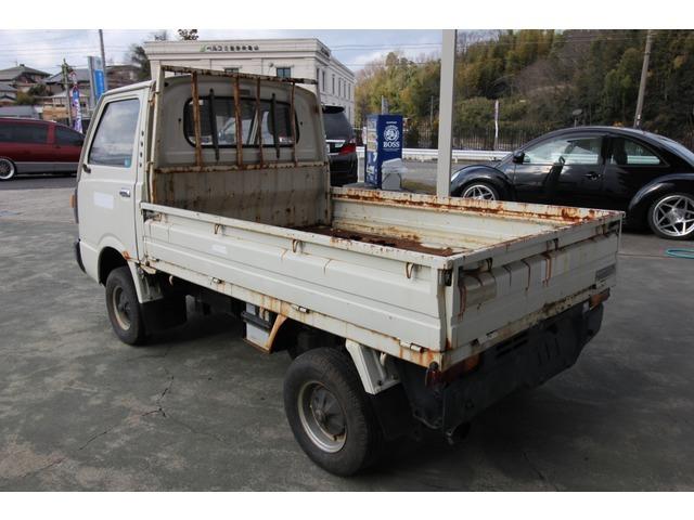 年代物のサンバートラックです! レストアベースにいかがでしょうか?