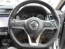 プロパイロット 高速道路での単調な渋滞走行と巡航走行をドライバーに代わってアクセル、ブレーキ、ステアリングを自動で制御。家族でのロングドライブがこれまで以上に楽しみになりますよ☆