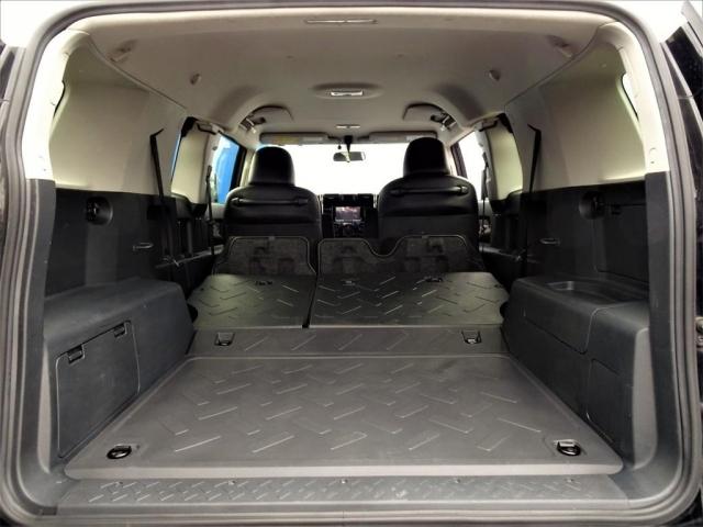 セカンドシートを折りたためば更に荷室は広くお使いになれます。