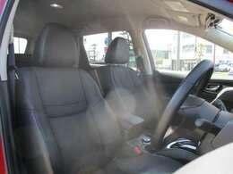 しっかりとしたつくりのシートで長時間の運転も快適に♪