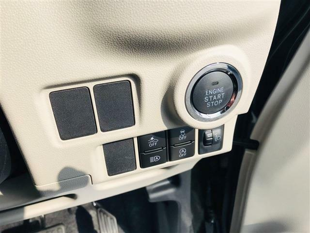 ☆ スマートキーのお車ですのでプッシュ式エンジンスタートのお車です☆キーをさしセルを回すこと要らずでラクラクです☆