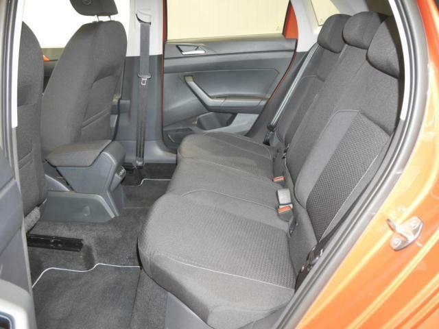 リヤドシートは十分なスペースが確保されています!