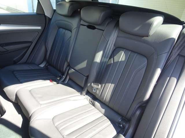 グループ会社ではアウディ、フォルクスワーゲン、BMW、MINIの正規ディーラーを営んでおります。