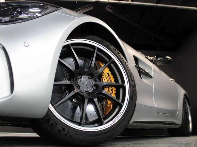 ■マットブラック19/20インチ「AMGパフォーマンス5ツインスポークAW」