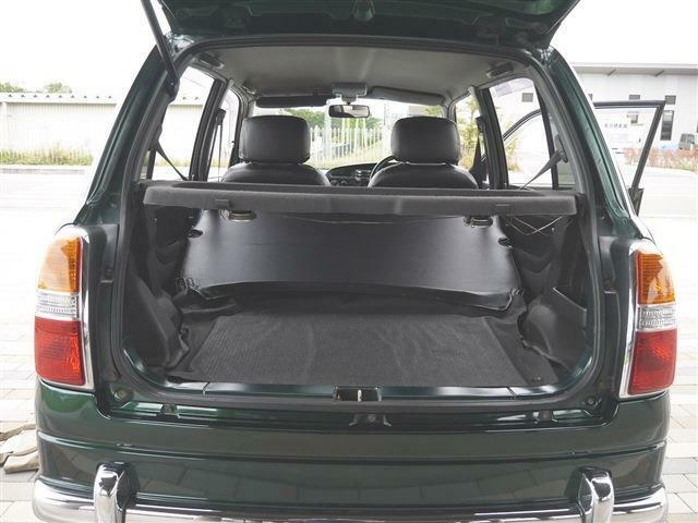 ●車内最後部2● 荷室はご自身の使い方でスペースが決まります。釣り人やキャンパー、ゴルファー、仕事使いなど荷物の大き目な荷物を積む方は、広さと荷物の出し入れがしやすい車を選ぶのがキモです!