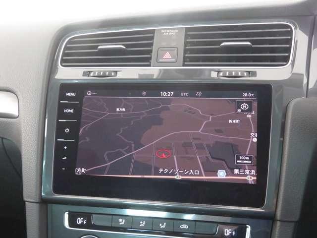 VW純正のナビゲーション・ディスカバープロ付です。ブルートゥースやDVD、CD再生、CD録音機能付きです。お好きな音楽を聴きながらドライブをお楽しみ下さい。