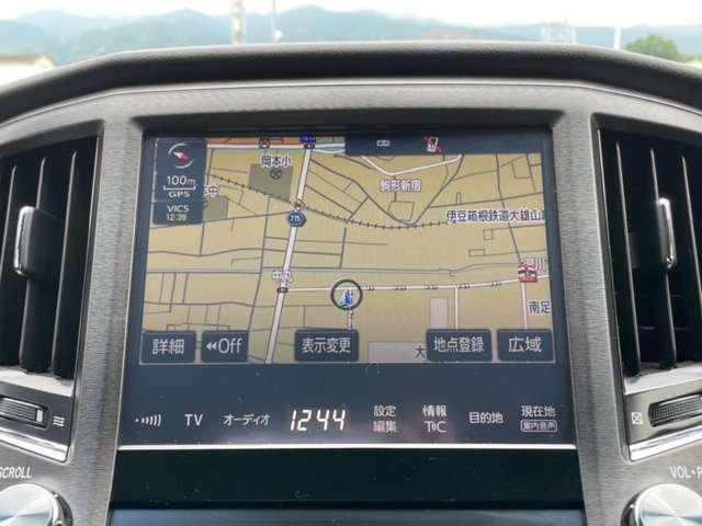 Tコネクト!メーカーSDナビになります!Bluetooth接続も可能なナビになり携帯に入っている音楽なども車内で聞くことができます☆ライブサウンド装着車なので音質も良く音楽を聴いていても楽しくなります