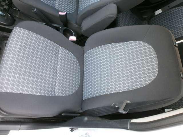 助手席のシートです。綺麗な状態に保たれています。