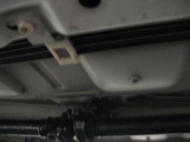 ボディ下部ドライブシャフト付近もご覧の様に状態は良く安心できる感じです