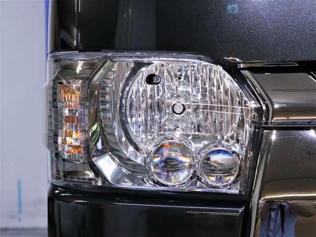 特別装備のLEDヘッドライト(クリアスモーク加飾)です!