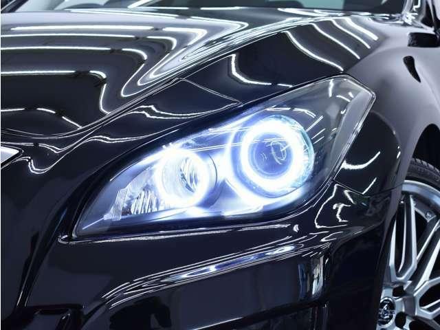 ヘッドライトは存在感のある2連イカリング&BLACKカスタム施工をしております。(ご希望にて追加でのインナーカスタム等もOKです♪)
