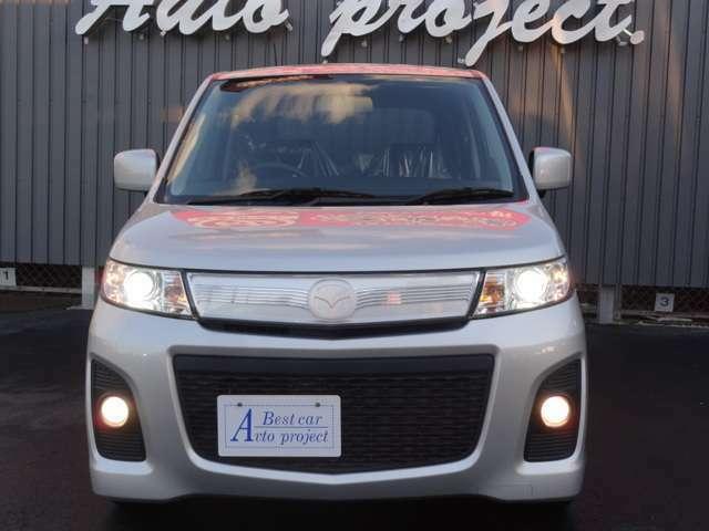 ヘッドライトはモチロンHID標準装備です!お好みの色のバルブに交換も可能です。