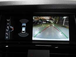 トップ&サイド&リアビューカメラと後方障害物センサー(PDC)装備で、駐車をサポート。