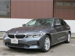 BMW 3シリーズ 320d xドライブ ディーゼルターボ 4WD LED17AWスマートキーシートヒーターACC