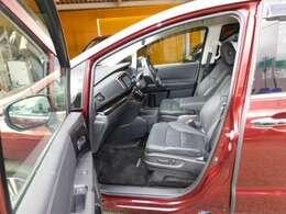 コンフォートビューパッケージ(ヒーテッドドアミラー+フロントドア撥水ガラス)、シートヒーター+助手席4ウェイパワーシート