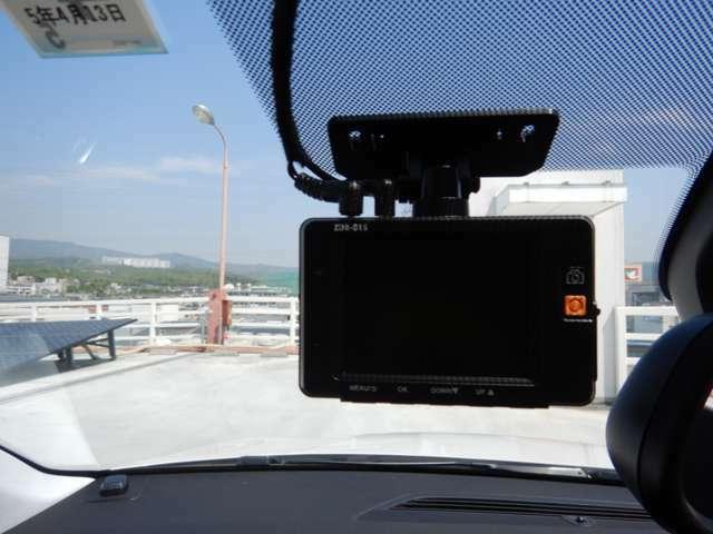 コムテック製前後2カメラドライブレコーダー装着済み!