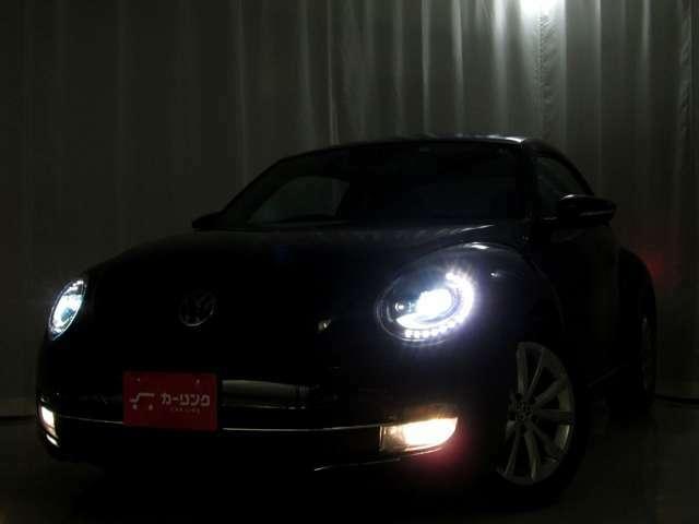 HIDヘッドライトオプション装備されておりますので暗い夜道も明るく照らしてくれますね♪