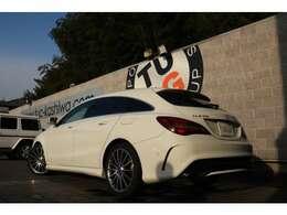 メルセデスの人気ステーションワゴン! CLA180 シューティングブレーク AMGスタイル入庫です!外装にはカルサイトホワイトを配色!