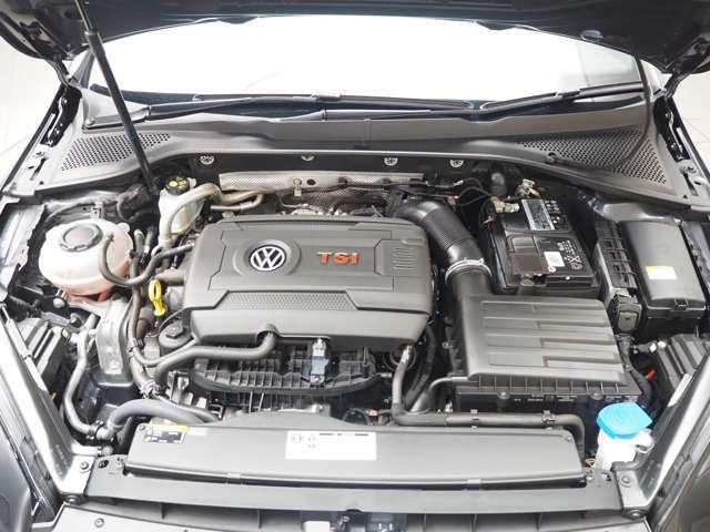 2000cc、直列4気筒DOHC16バルブICターボエンジン