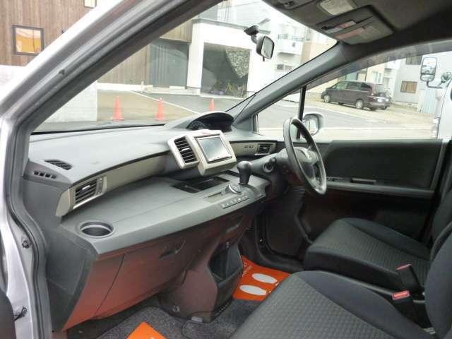 当店にて簡単な整備点検、試乗は実施しておりますが、現状格安販売車ですので現車確認をオススメしております。
