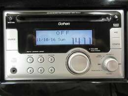 ホンダ純正CDチューナー装備です。AUX外部入力もございます。