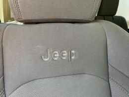 Jeepロゴが刺繍してあります。