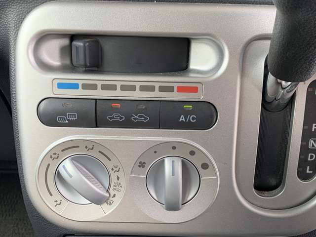 エアコンスイッチも操作し易いツマミ式になります!