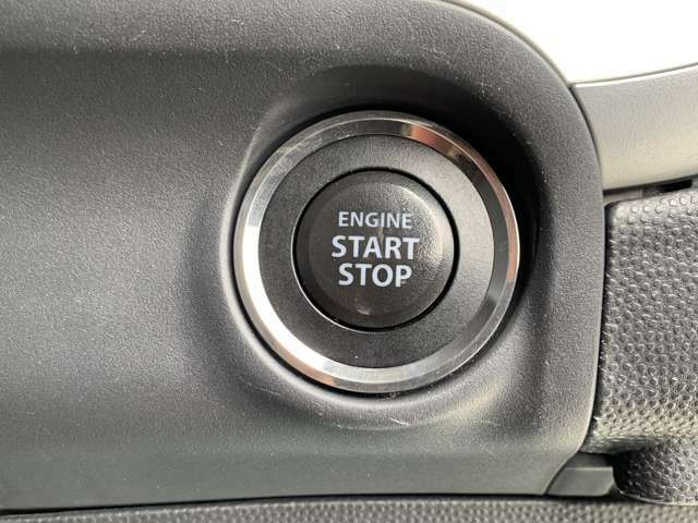 プッシュスタート☆スマートキーを携帯している状態で、押すだけでエンジンの始動が出来ます!
