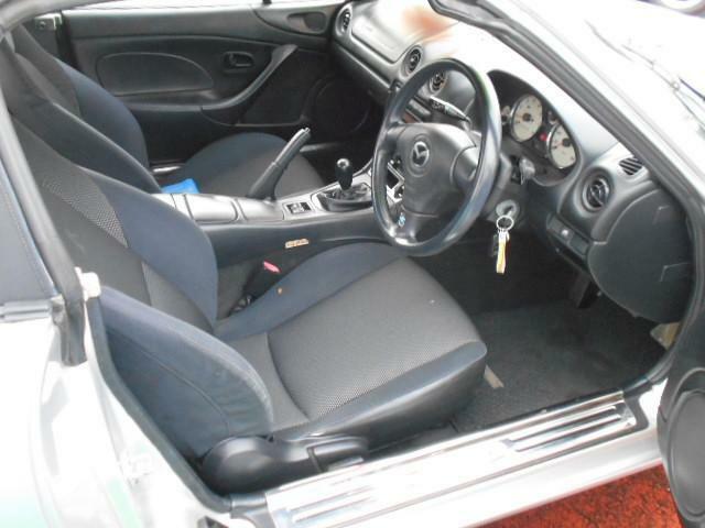 内装クリーニング済です。中古車だからと言って仕上げに妥協は有りません。拘りの仕上げをぜひ直接御覧になって下さい。