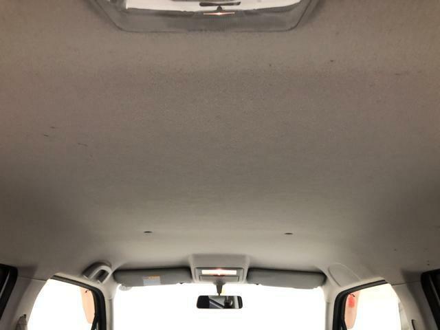 車内もクリーニング済みです。