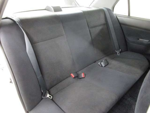 リヤシートの状態も良好です。あまり使用感もございません