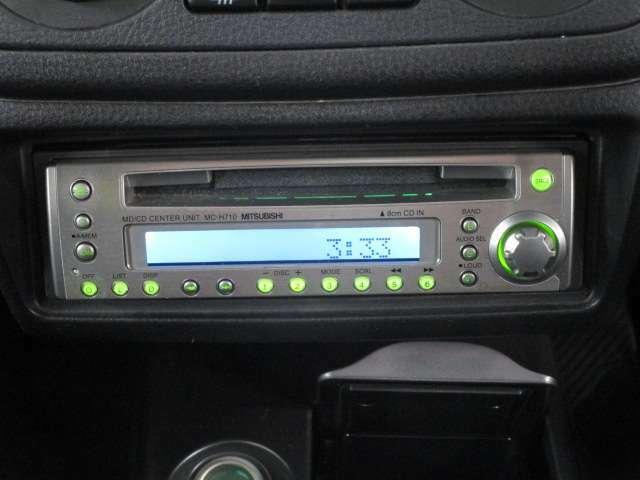 三菱電機製CD/MDチューナーオーディオ装備。1DINオーディオスペースです
