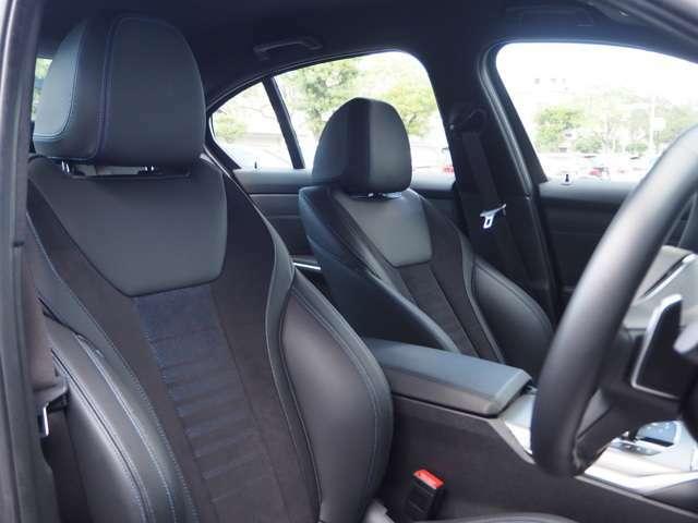 BMWのコクピットは、運転が愉しくなるコクピットです。スポーツシートも、お気に入り間違いなし!長距離運転でも疲れない!ホールド感もgoodです!