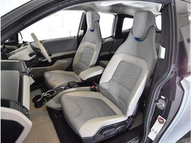 ハーフレザーシート ワンオーナー車で内外装ともにとてもきれいです。