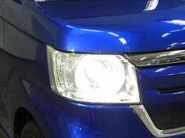 【LEDヘッドライト】大光量で夜道や雨の日の安心感を高めるLEDヘッドライト装備!明るいほうが運転疲労が軽減できます♪