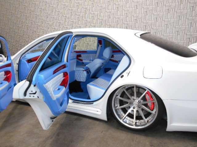お客様が清潔に気持ち良くお車を乗れるように、内・外装を出来る限り綺麗にしてお渡しします。