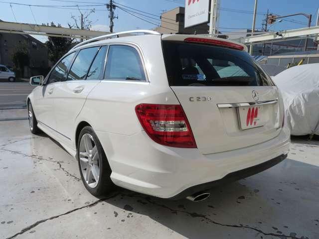 当社ホームページのストックリストからも内外装の写真、詳しい詳細が確認できます。http://www.charme-cars.jp/
