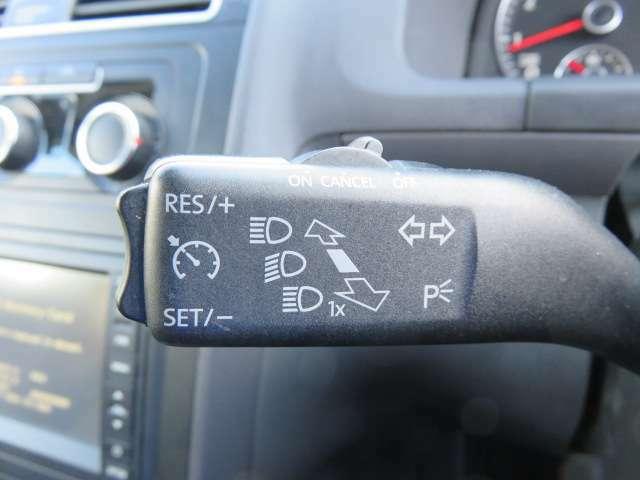 クルーズコントロール♪高速道路などでの一定速度走行時にあると便利な機能です♪